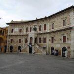 Fermo,_Palazzo_dei_Priori